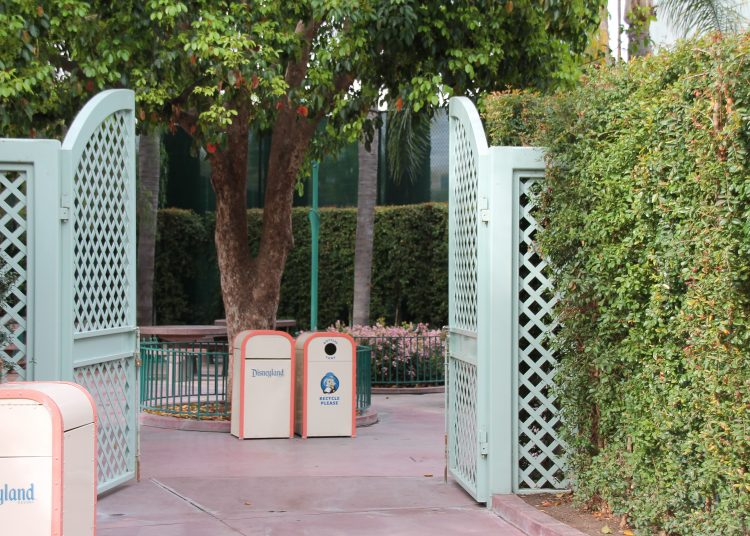 Entrance to Disneyland Picnic area from park side
