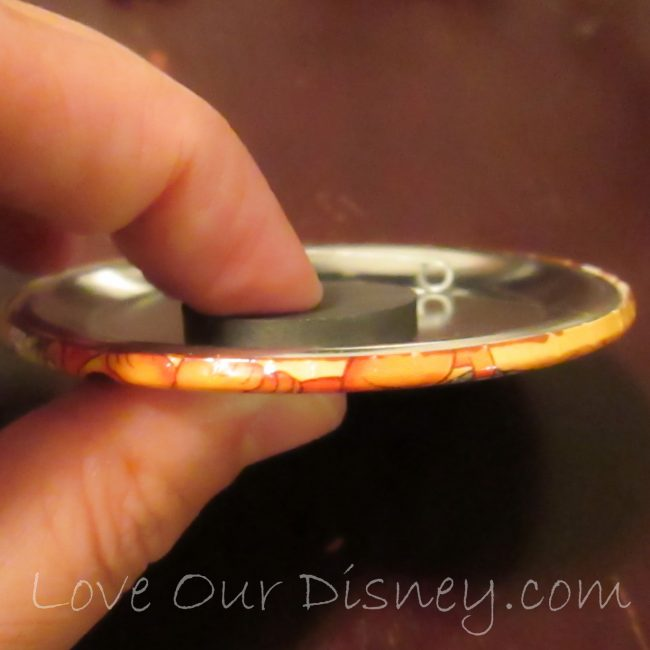 TUrn your Disney souvenir buttons into magnets