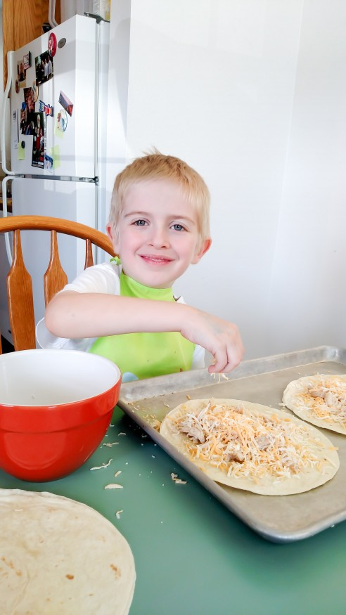 Tips for teaching kids to cook plus an easy chicken quesadilla recipe