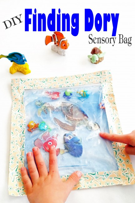 Super easy DIY Finding Dory Sensory Bag is perfect as a calm down or just for fun sensory activity.