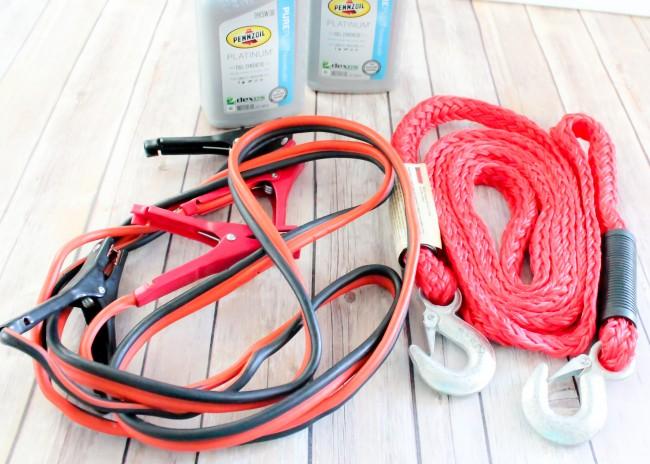 DIY Roadside Emergency Kit
