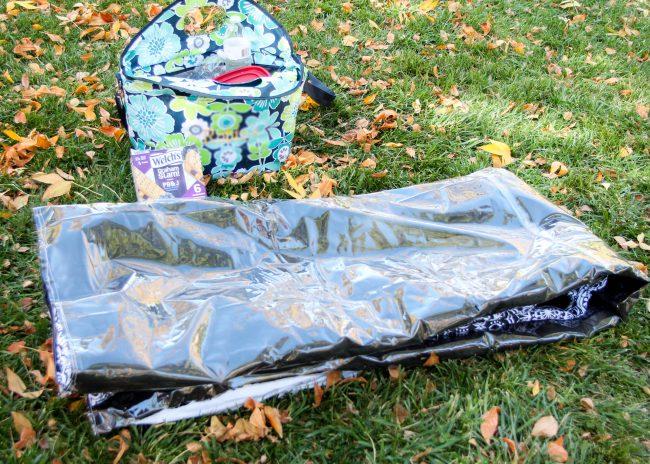 DIY picnic blanket folding up step 3