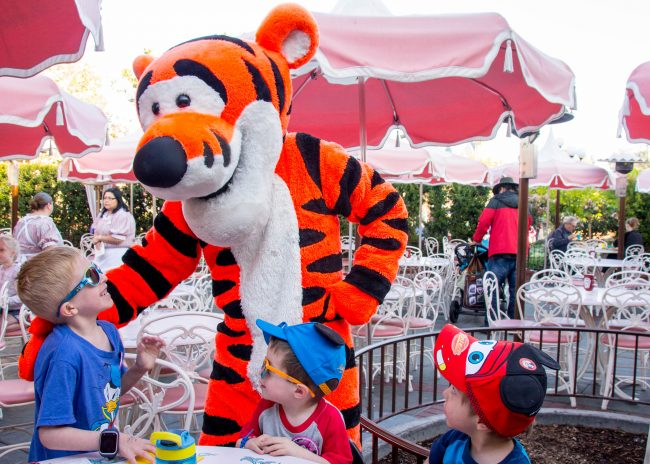 Disneyland's Plaza Inn Breakfast with Minnie and Friends