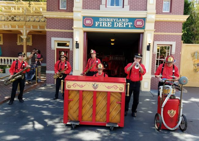 Disneyland Park Entertainment