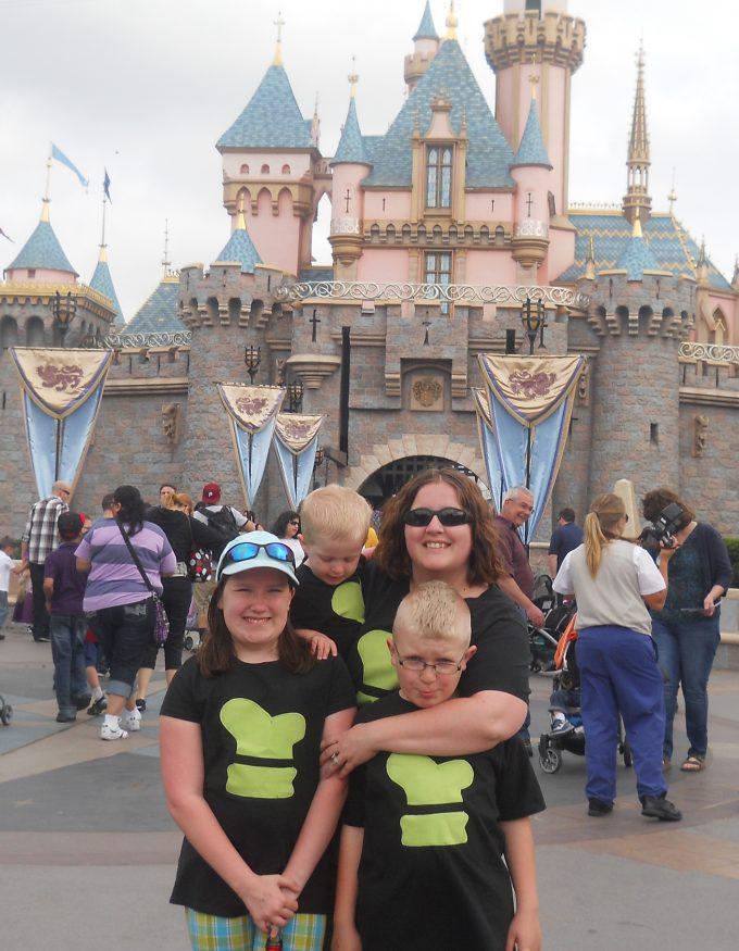 Take Amazing Disneyland Photos- the don't do this photo
