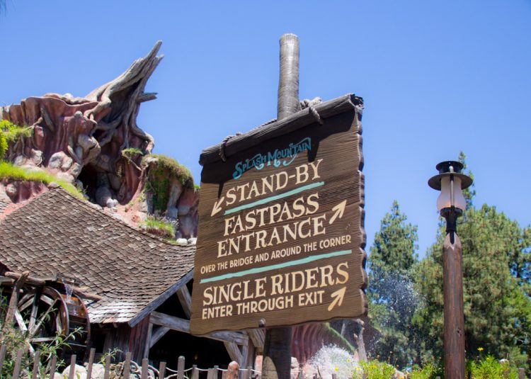 Disneyland Line Fastpass Return and standby line