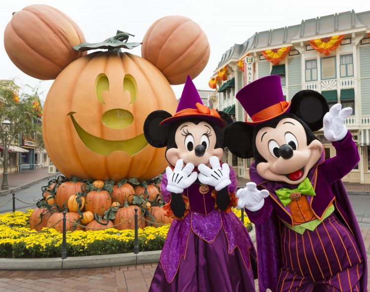 Halloween At Disneyland 2020 Your Guide To Disneyland Halloween 2020 | This Crazy Adventure