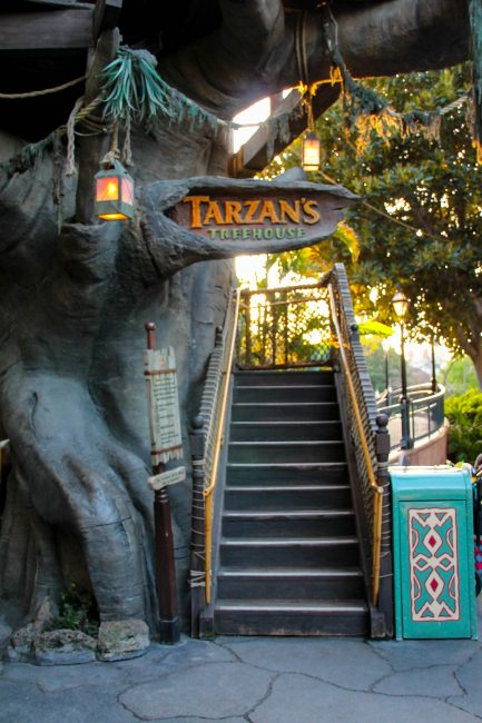 Tarzan's Treehouse in Disneyland's Adventureland. A parents guide to advnentureland in DIsneyland